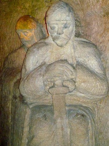 JESKYNĚ BLANICKÝCH RYTÍŘŮ Jeskyně Blanických rytířů je uměle vytvořená pískovcová jeskyně nacházející se u Rudky nedaleko Kunštátu. V jeskyni je vytvořeno 17 soch blanických rytířů, včetně sochy svatého Václava. U vstupu do jeskyně stojí lev v nadživotní velikosti. První nápad na vytvoření umělé jeskyně dostal starosta Kunštátu František Burian.