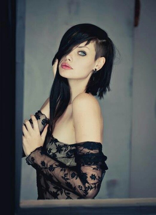 FB Best Goth gorgeous eyes love her hair this girl is hot