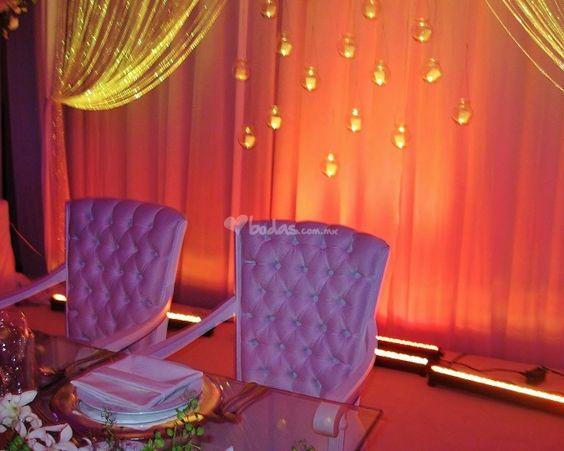 Decoración con telas de Servicios & Banquetes Cabral   Foto 2