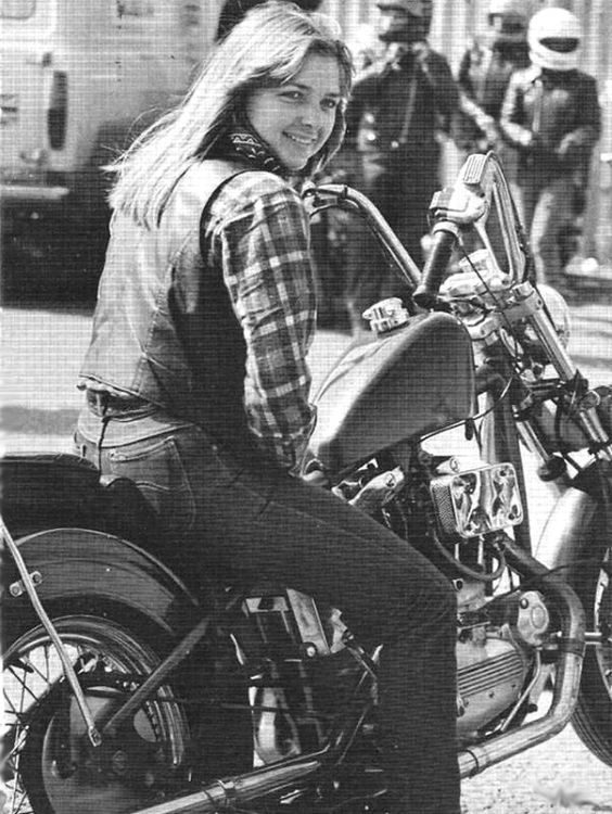 Even in the 70s biker babes were awesome!