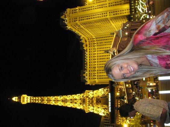 Las Vegas, é uma cidade-de-uma-rua-só — a mais importante cidade-de-uma-rua-só do planeta