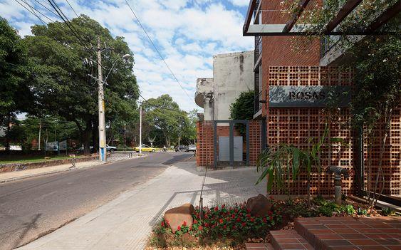 Galeria de Edificio Rosas 121 / - = + x - - 10