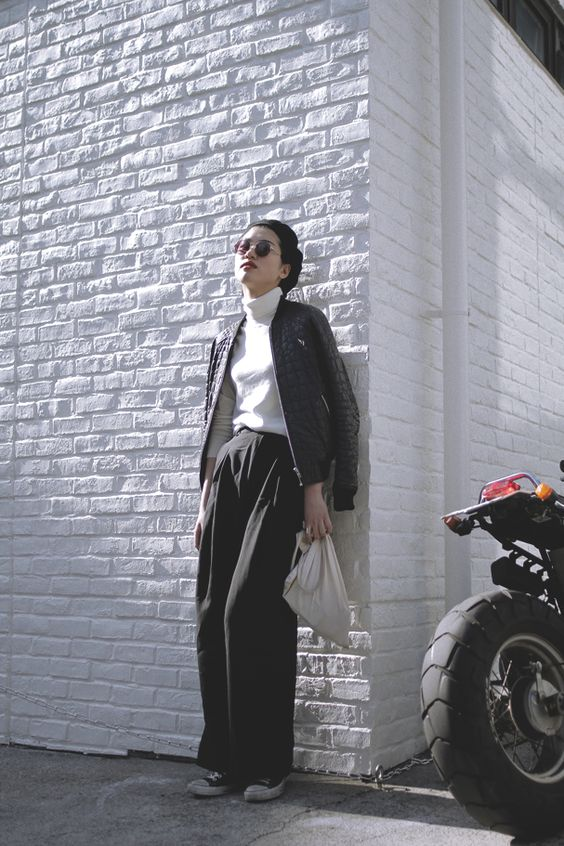Area: Harajuku, Tokyo | 原宿, 東京 Name: Takako Oda | 小田 貴子 Occupation: University student | 大学生 Jacket: TOPSHOP | トップショップ Inner: MUJI | 無印良品 Shoes: CONVERSE | コンバース Hat: Vintage | ヴィンテージ Glasses: Vintage | ヴィンテージ Tokyo street Fashion Snap Date: 14 Mar 2014 [Street Style] 小田 貴子 | 大学生 | Harajuku (Tokyo)