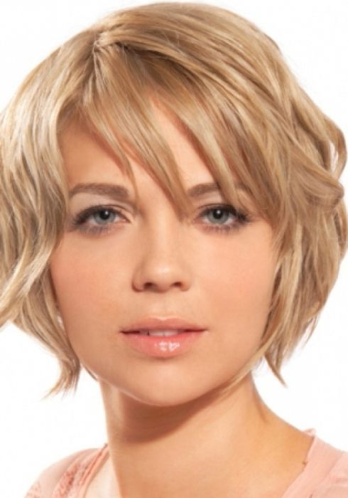 Short Hairstyles For Round Faces And Thick Hair Womenshaircutslong Short Hair Styles For Round Faces Messy Short Hair Oval Face Hairstyles