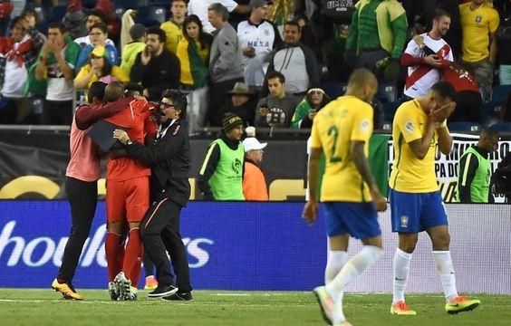 I P A N G U A Ç U            A G O R A: Brasil leva gol de mão, perde do Peru e é eliminad...