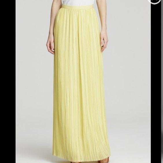 """Spotted while shopping on Poshmark: """"Alice+ Olivia Viva pleated Maxi skirt""""! #poshmark #fashion #shopping #style #Alice + Olivia #Dresses & Skirts"""