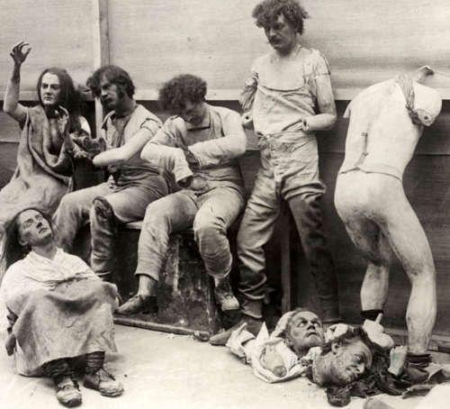 manequins após um incêndio no museu de cera madam tussaud (londres, 1930)