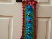 bells door free jingle hanger crochet by hangers jingle bells redheart ...