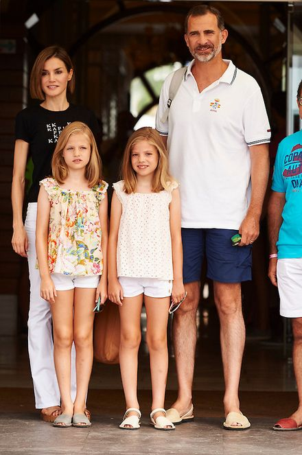 (1) Royal Highness - Queen Letizia and her daughters, Princess Leonor...