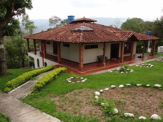 Planos De Casas Con Corredores Village House Design Courtyard