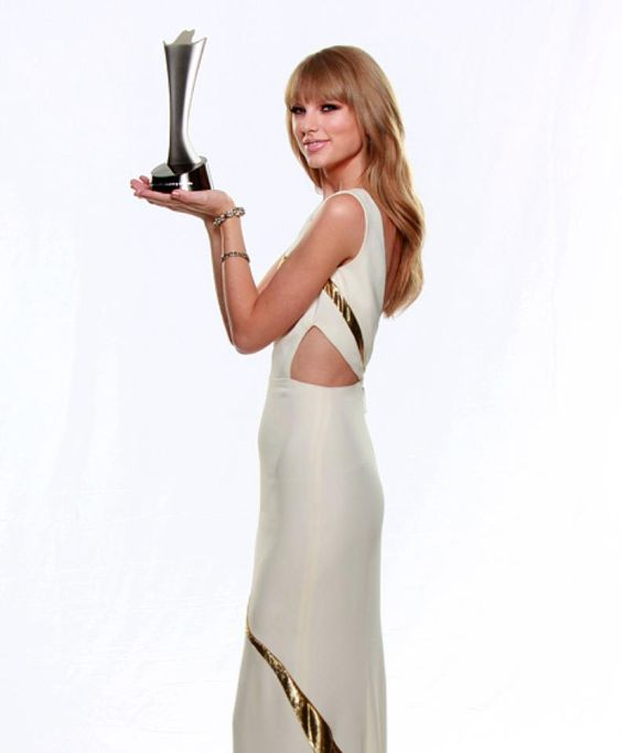 Entertainer of the Year - ACMs 2012