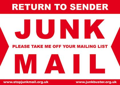 Vermeidung von unadressierter Junk Mail in England, Nordirland, Wales und Schottland durch spezielle Aufkleber: http://www.adviceguide.org.uk/nireland/consumer_ni/consumer_post_e/consumer_problems_with_post_e/consumer_problems_with_unwanted_or_junk_mail_e/how_can_you_stop_un-addressed_junk_mail.htm