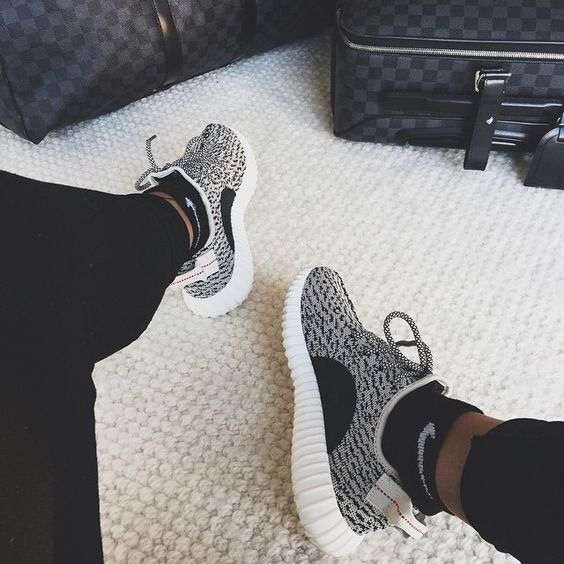 Yeezy 350 Boost Low Grey Shoes Men Women PrimeKnit Casual shoes Breathable Mesh Shoes 350 size 40-44 : http://www.dhgate.com/product/yeezy-350-boost-low-grey-shoes-men-women/269578924.html: