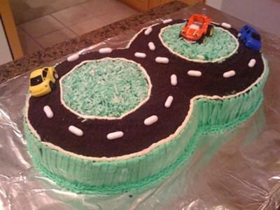 Figure 8 Racetrack Cake: My little 8 year old boy just loves cars and racing and basically anything that goes vroom. I never made a cake for him so I decided that it would be a: