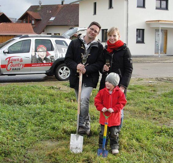 Erster #Spatenstich in Horgenzell - die #Baufamilie freut sich auf ein #Flair 124!