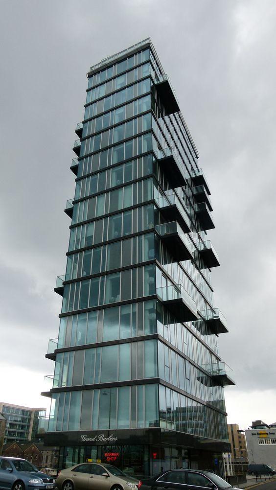 Tower near Grand Canal theatre - Dublin -  photo by Via Herbreteau