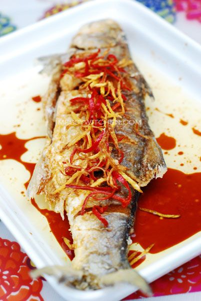 Messy Witchen : Chinese Dish: Fried Threadfin Fish (Ma Yau) With Soy Sauce by Amyq,