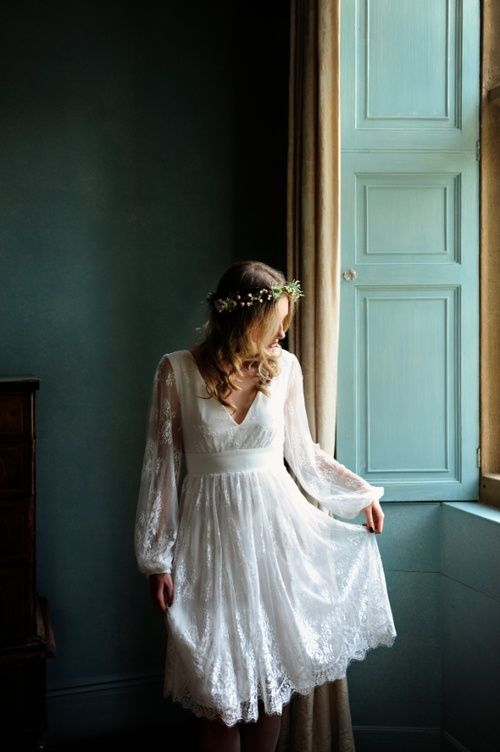 Long sleeved, short wedding dress. Rochelle dress by Indiebride www.indiebrides.co.uk Picture by Katharine Davies