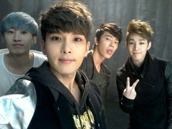 (from left to right) Eunhyuk, Ryeowook, Donghae & Henry