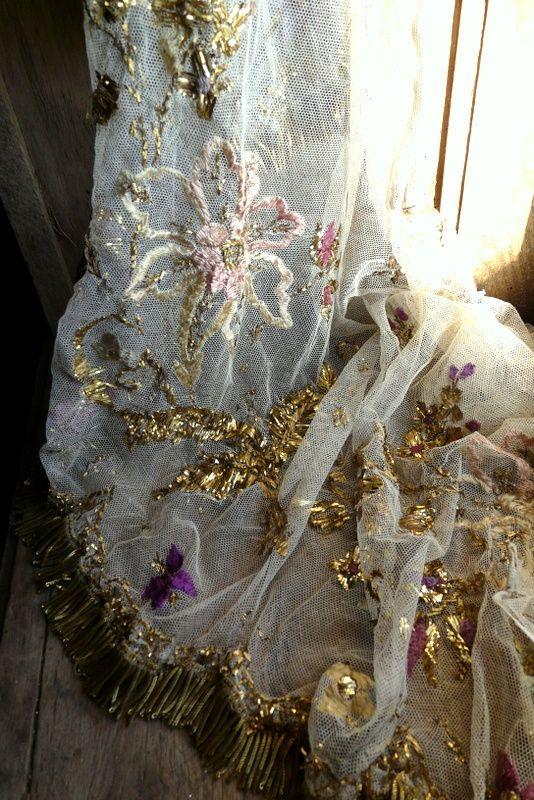 antique French tulle altar frontal gold metallic embroidery bullion fringe trim | New in the shop | De Merel Brocante Antique Vintage