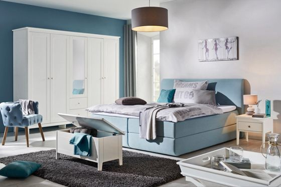 trendiges boxspringbett in hellblau ein hingucker f r ihr schlafzimmer pantone farben 2016. Black Bedroom Furniture Sets. Home Design Ideas