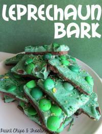 Leprechaun Bark on MyRecipeMagic.com. The perfect St Patrick's day treat for your little leprechauns!