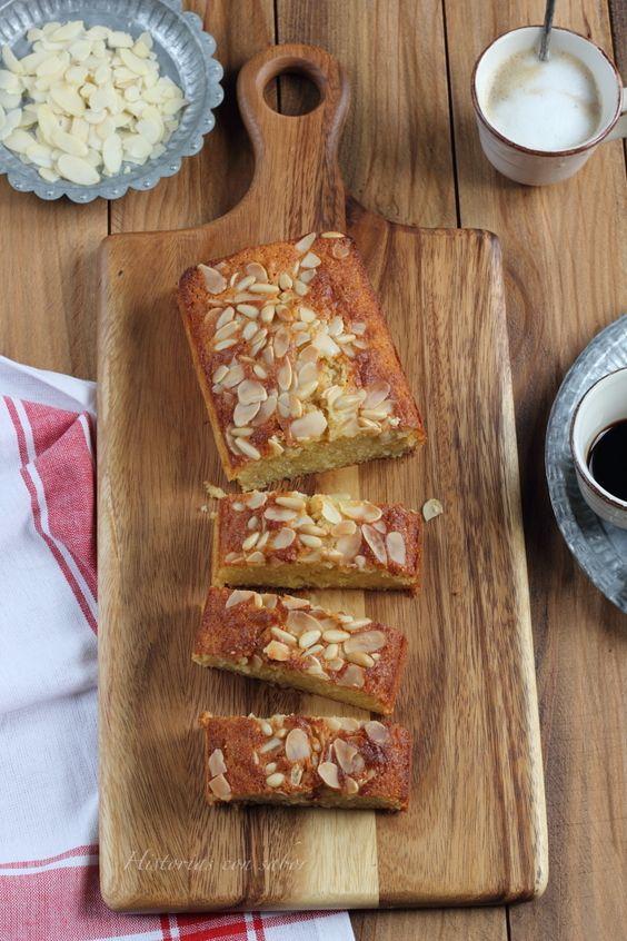 Cake de almendra, limón y piñones. http://historiasdesabor.blogspot.com.es/2015/03/cake-de-almendra-limon-y-pinones.html