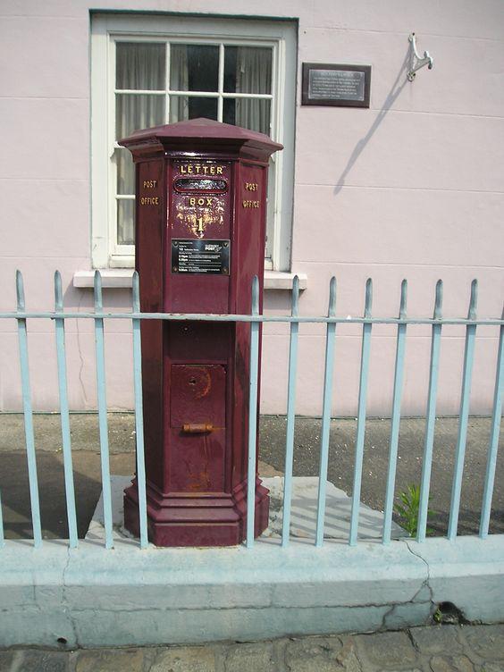 Oude brievenbus in St. Peter Port