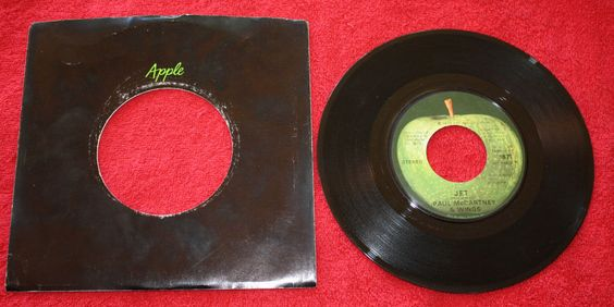 WINGS + PAUL MCCARTNEY MAMUNIA + JET 7  VINYL  APPLE