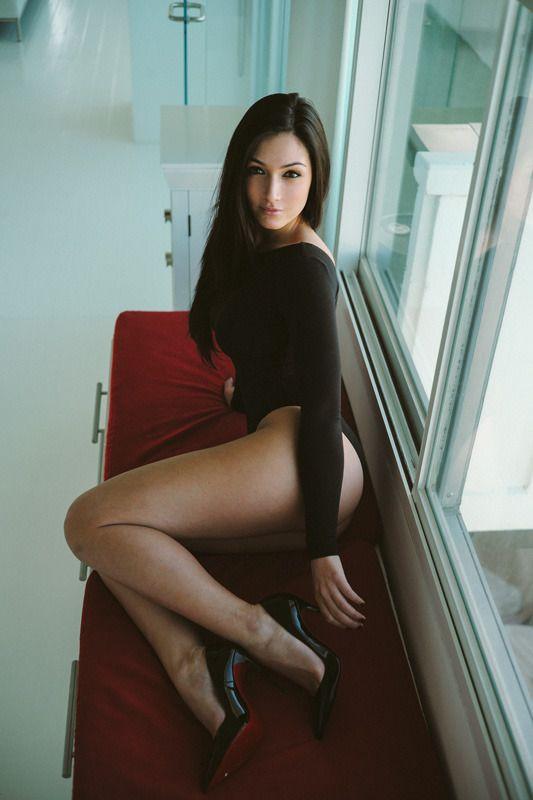 Asian babe heel in stocking