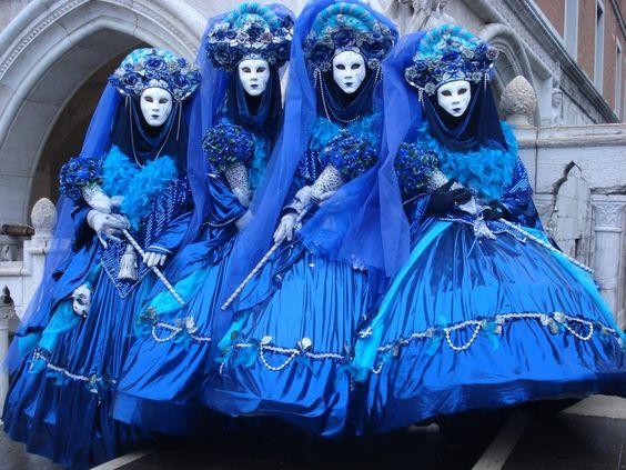 blaue kostüme wallpaper