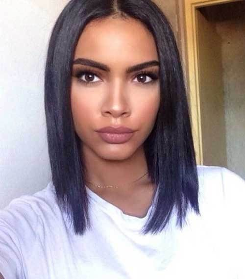 25 Great Short Haircuts for Black Women 4. Shoulder Length