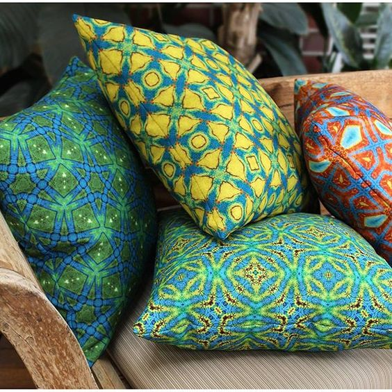 Isnt beautiful colours and textures in an outdoor space so happy and uplifting!? Time for a coffee in the sunshine with a cosy cushion. Search 'moteef' on dtll.com.au or click on the shopable link in our profile #dtll #downthatlittlelane