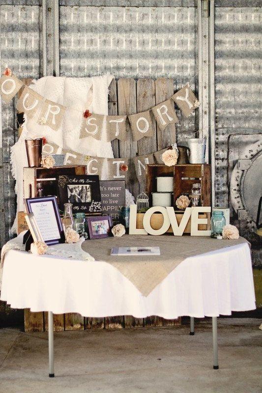 Ideas para decorar tu boda con banderines! Mas ideas en http://www.diariodeunanovia.es #banderines #decoraciondebodas #diariodeunanovia