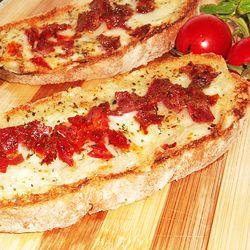 Crostini de queijo e embutidos