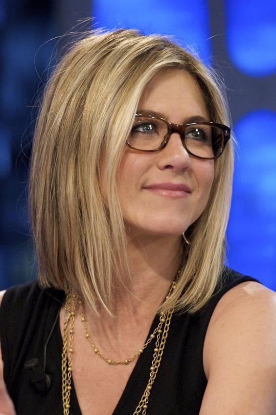 Pin for Later: 77 Stars, die Brillen rocken Jennifer Aniston