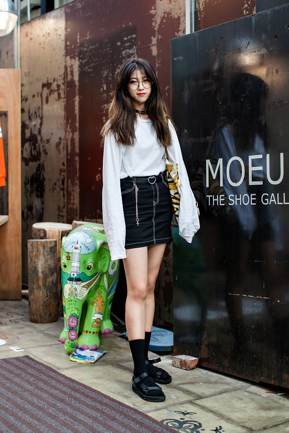 BAG | UNIQLO SHOES | BURIED ALIVE Street Style Jung Dajung, Seoul