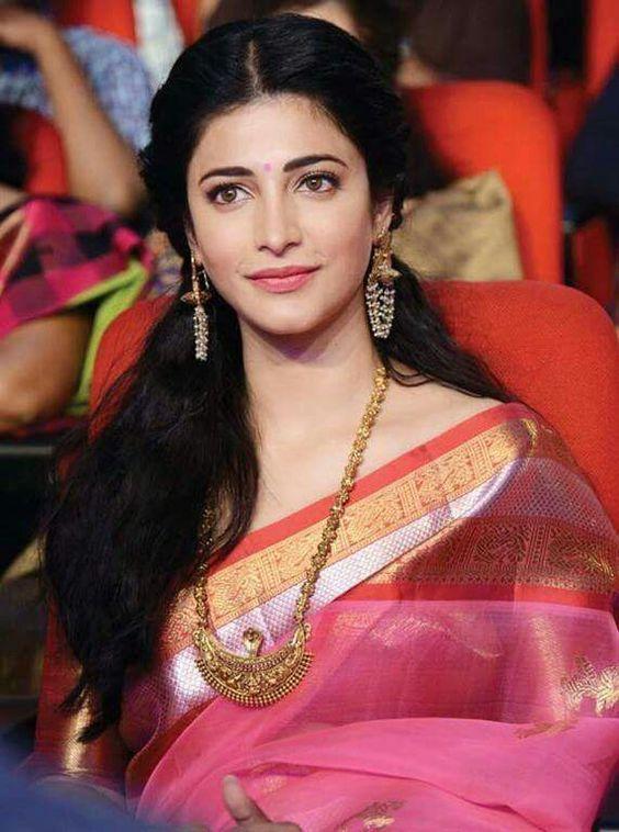 1 Top Indian Saree Hairstyle For Long Hair Fastnewsfeed Saree Hairstyles Shruti Hassan Saree