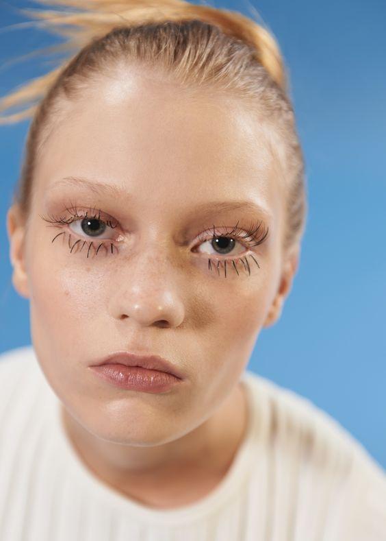 ปัดขนตาล่างยาว