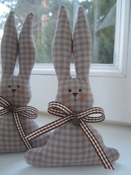Kaninchen, Osterhase and Pink on Pinterest