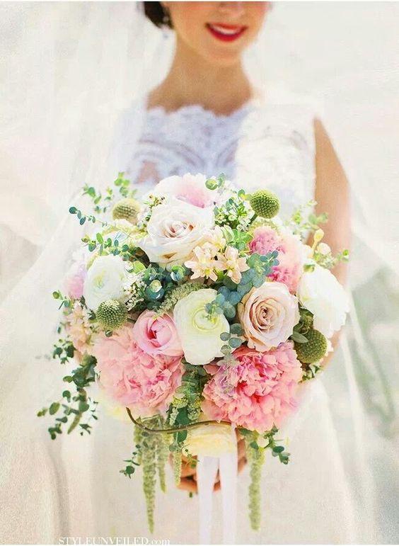 Bouquet rose, vert, beige