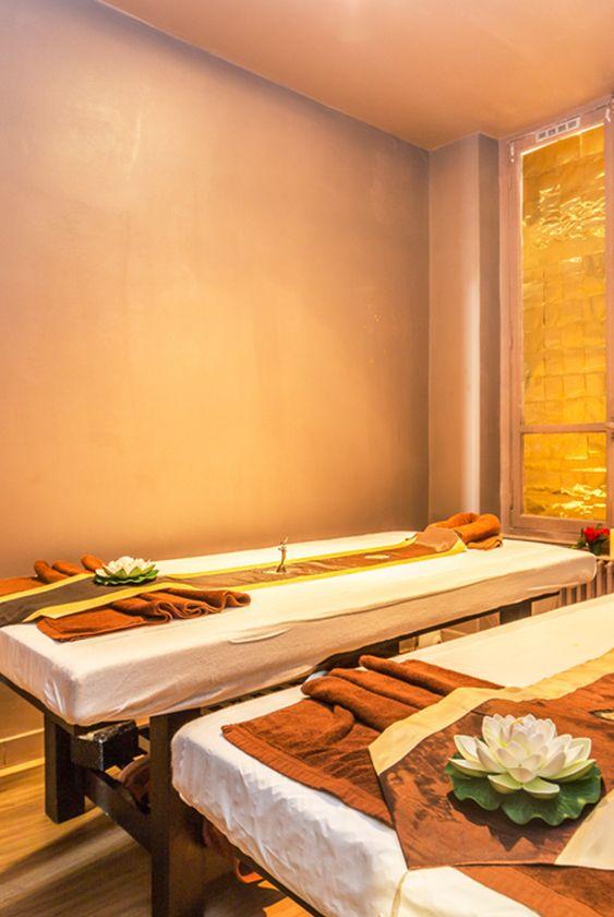 Panthip Thai 6e Arrondissement Le Salon De Massage Panthip Thai Est L Endroit Ideal Pour Vous Evader L Salon Esthetique Salon De Massage Massage Thailandais