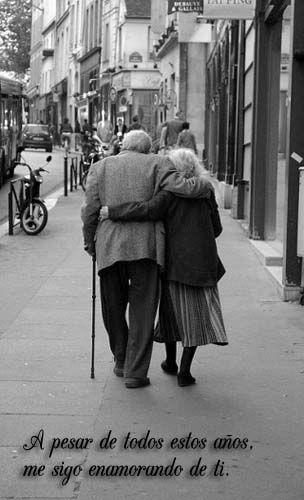 Fotografías de parejas enamoradas con frases de amor