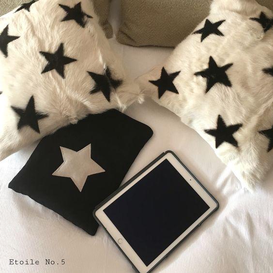 Funda iPad o tablet de estrella. Acolchada y hecha a mano, sólo la encontraras en Etoile No.5 www.etoileno5.com. El regalo perfecto y más original