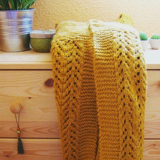 Tricotando en mi sofa