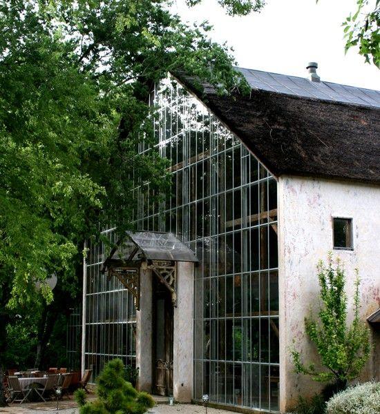 Granja holandesa de 1820 restaurada.     más imágenes: http://www.heritagebarns.com/showcase/finished-frame-26.php