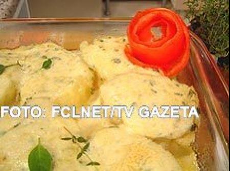 Receita de BATATA RECHEADA 13-08-07 - batatas com água e sal e deixe as al ente. RECHEIO Em um recipiente, misture os queijo mussarela, parmesão, requeijão, mussarela de búfala e...