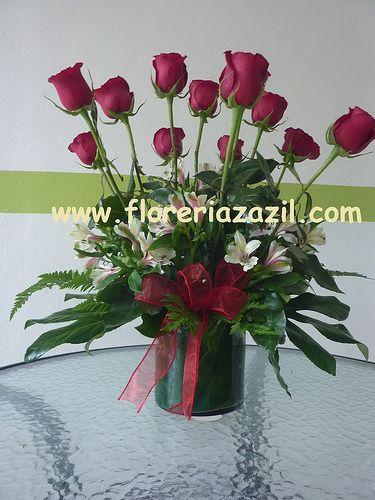 Docena de Rosas Rojas Red Dozen Roses Floreria en cancun con servicio floral  Cancun Floral Service ventas@floreriazazil.com