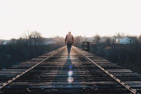 Pessoas que gostam de ficar sozinhas são as mais inteligentes e leais que você pode conhecer - Psiconlinews