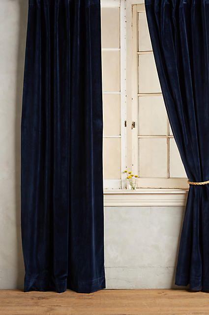 black velvet curtains with crystal tiebacks - Bieke Vanhoutte ...